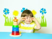 哭泣的婴孩 图库摄影