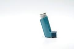 哮喘背景剪报包括吸入器查出的路径白色 库存图片