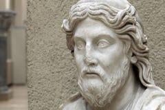 哲学家或修士的雕象 免版税库存图片