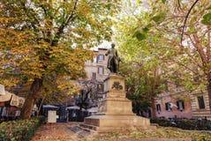 哲学家Nicola Spedalieri的雕象在罗马 免版税库存图片