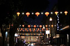 唐人街在晚上,旧金山,加利福尼亚,美国, 2017年12月27日 库存图片