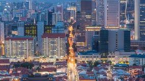 唐人街新加坡天鸟瞰图和Downotwn对夜timelapse的 股票录像