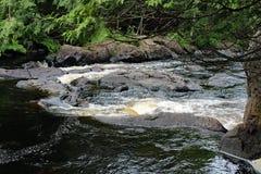 唐卡斯特河小瀑布 免版税库存图片