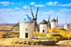 唐吉诃德风车在孔苏埃格拉。卡斯提尔拉曼查,西班牙 免版税库存照片