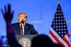 唐纳德・川普,美利坚合众国的总统,在北约峰会的新闻招待会期间2018年 免版税库存照片