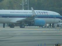 唐纳德・川普的在拉瓜地亚机场16的喷气机飞机 库存图片