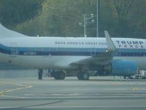 唐纳德・川普的在拉瓜地亚机场15的喷气机飞机 免版税库存图片