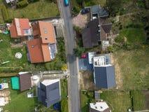 唯一房子在有房子的新的大厦解决和适当 库存图片
