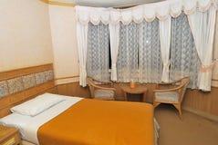 唯一河床家具旅馆现代的空间 免版税图库摄影