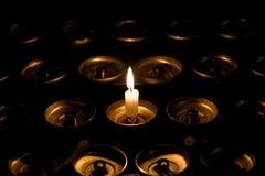 唯一的蜡烛 免版税库存照片
