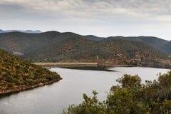 唯一的水坝在Calitzdorp 免版税库存照片