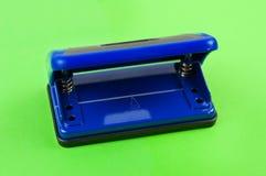 唯一蓝色金属机械打孔器 库存图片