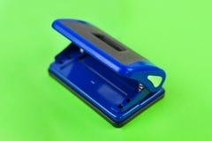 唯一蓝色金属机械打孔器 库存照片