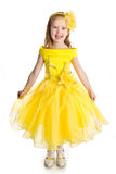唱公主礼服的小女孩纵向  免版税库存照片