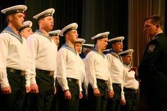唱歌俄国士兵、歌曲的唱诗班和独奏者和列宁格勒军区的舞蹈合奏 库存图片