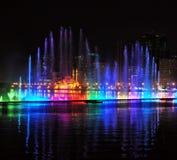 唱歌喷泉在沙扎,阿拉伯联合酋长国 图库摄影