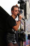 唱歌在Leefest的MØ 库存照片