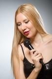 唱歌的妇女 免版税图库摄影