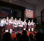 唱诗班唱歌的孩子 免版税库存图片