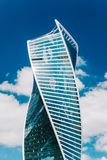 商业中心现代摩天大楼  几何玻璃大厦外部 库存图片