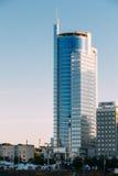 商业中心皇家广场- Pobediteley大道的摩天大楼 免版税库存照片