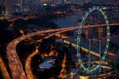 商业区小游艇船坞海湾的顶视图在新加坡在晚上 库存图片