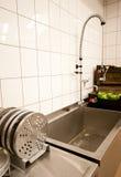 商业厨房水槽 免版税图库摄影