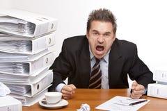 商业失败人强调的办公室尖叫 免版税图库摄影