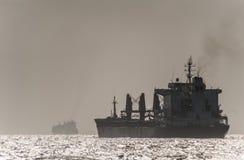 商业小船在红海 库存图片