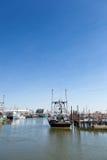 商业捕鱼业小船在Belford,新泽西 库存照片