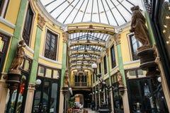 商业画廊在巴里阿多里德 免版税图库摄影