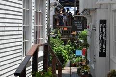 商业街在Provincetown,鳕鱼角在马萨诸塞 免版税图库摄影