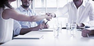 商业递合作伙伴震动 免版税库存图片