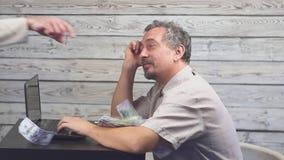 商业铸造互联网膝上型计算机白色   影视素材