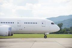 商业飞机乘出租车 库存图片