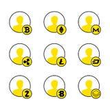 商人一个黄色剪影以cryptocurrency为背景的:bitcoin, ethereum, monero,波纹, litecoin,破折号 免版税库存照片