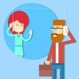 商人与妇女连接概念讲细胞巧妙的电话 免版税库存图片