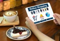 商人使用技术电子商务互联网全球性Marketi 库存照片