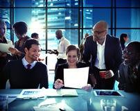 商人合作会议证券交易经纪人行情室概念 库存图片