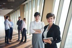 商人小组,女性当团队负责人 库存图片