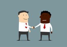 商人握手从不同的countires的 免版税库存照片