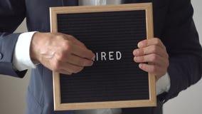 商人改变的词被射击对聘用在文本板 股票录像