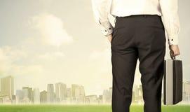 商人有城市视图 免版税库存图片