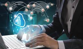 商人用途膝上型计算机和智能手机有技术的挂锁和的云彩的 免版税库存照片