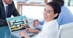 商人的综合图象讨论的在办公室 免版税库存图片