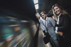 商人等待的地铁运输 免版税图库摄影