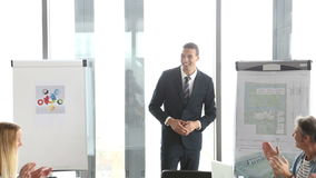 商人赞许的主任在会议期间 股票录像