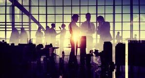 商人通信会议讨论办公室概念 免版税库存照片