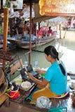 商人销售额泰国古老点心 库存照片