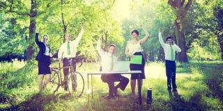 商人绿色户外企业成功概念 免版税库存图片